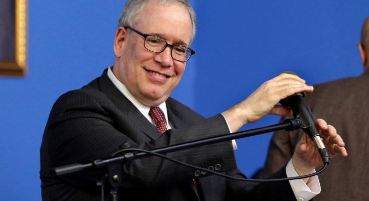 Comptroller Scott Stringer takes shots at ThriveNYC program
