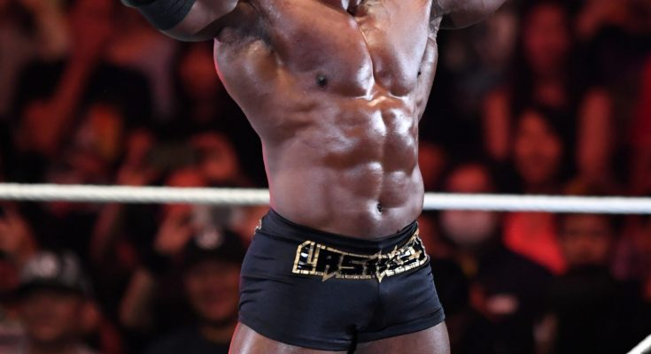 INSANE! Bobby Lashley Hits Braun Strowman with a Monstrous Spine Buster on WWE RAW