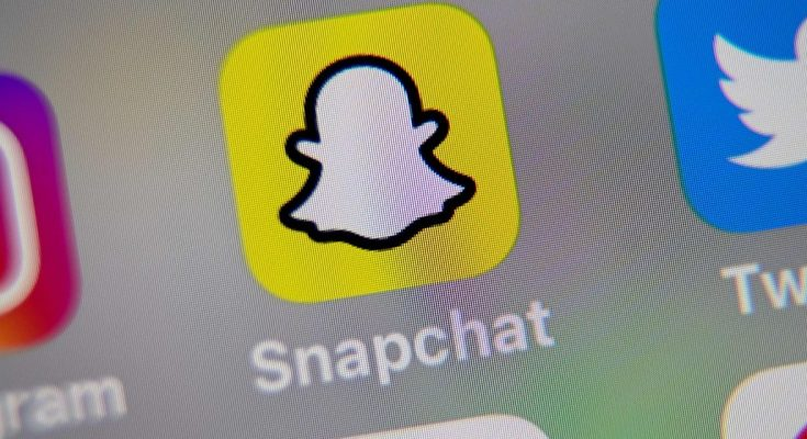 Snap stock swings higher during investor presentation