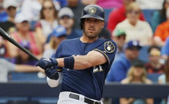 Travis Shaw returns to Brewers with minor league deal
