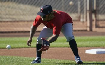 Indians' Ramirez, Reyes isolated after COVID-19 violations