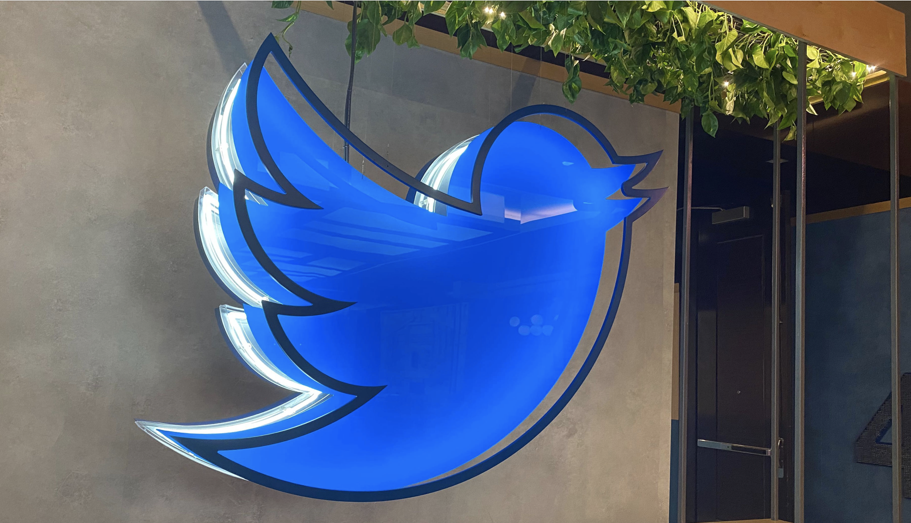 Twitter adds new sharing options to audio rooms